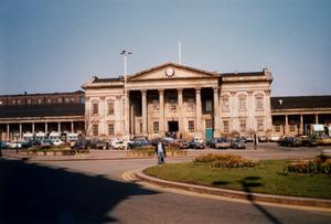 Huddersfield Railway Station [4].jpg