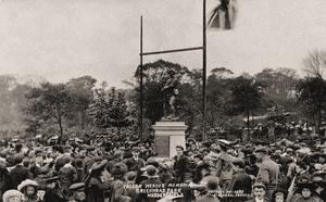 Fallen Heroes Memorial, Greenhead Park, Huddersfield.jpg