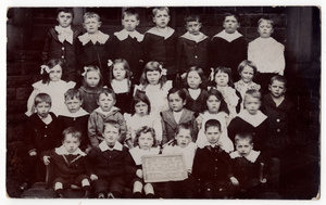 Crosland Moor C of E School 1907.jpg