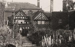 Fenny Hall, Almondbury, Huddersfield.jpg