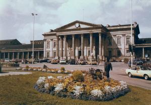 Huddersfield Railway Station [5].jpg