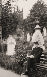 South Crosland Churchyard.jpg