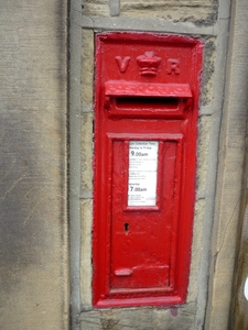 Victorian Post Box, Dunford Road, Underbank, Holmfirth (2).jpg