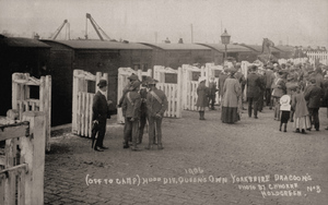 Hillhouse Sidings near Huddersfield. Yorkshire Dragoons Loading Horses by Horne 1906.jpg
