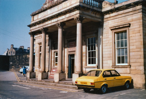 Huddersfield Railway Station [3].jpg