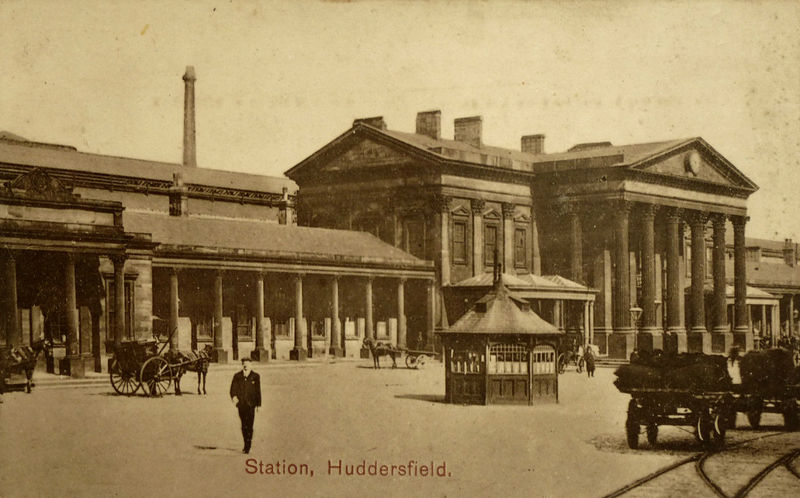 File:Undated photo postcard of Huddersfield Railway Station (001).jpg